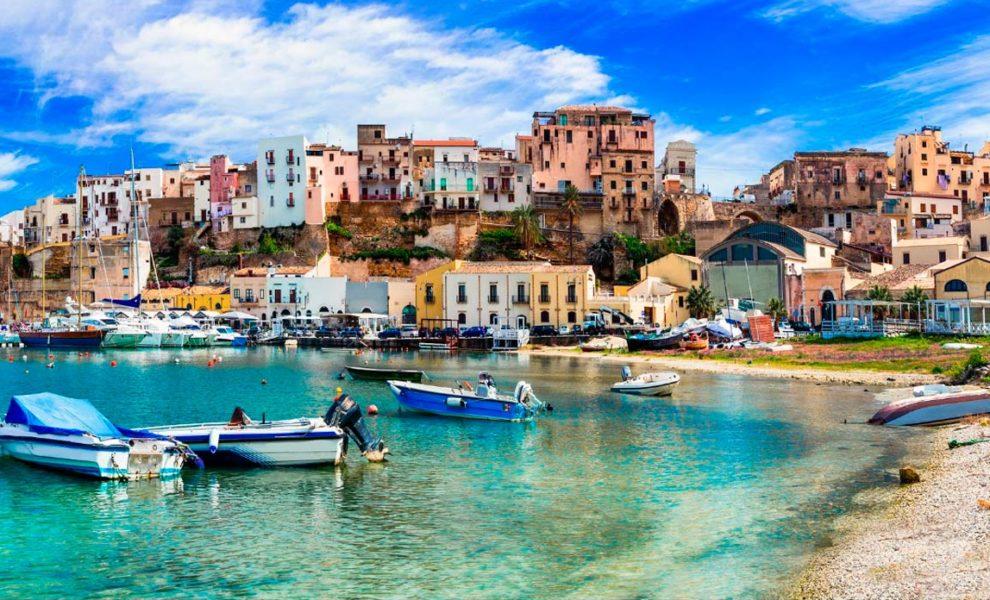 Sicilie Dorp Aan Strand